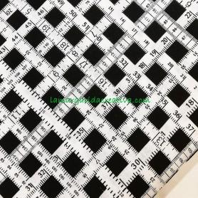 Tela patchwork fantasía cintas métricas blanco y negro lamargaridacreativa 3