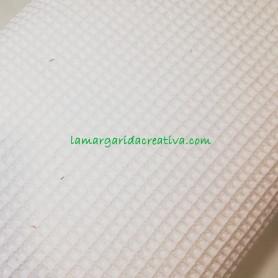 Tejido wafle o nido abeja algodón color blanco roto en la margaridacreativa