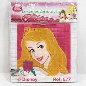 Kit labores infantil medio punto Disney Bella Durmiente en lamargaridacreativa 2