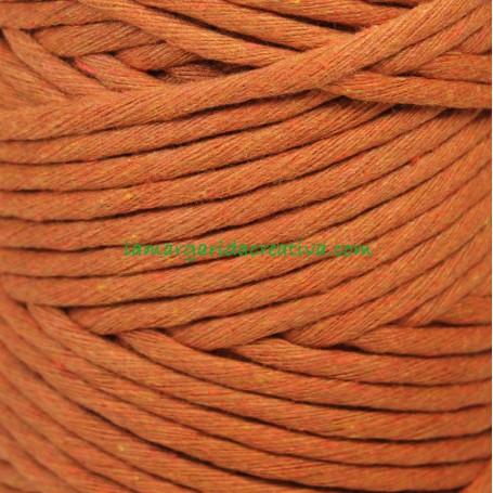Hilo cordón cuerda macramé urdimbre teja anaranjado fibras recicladas en lamargaridacreativa